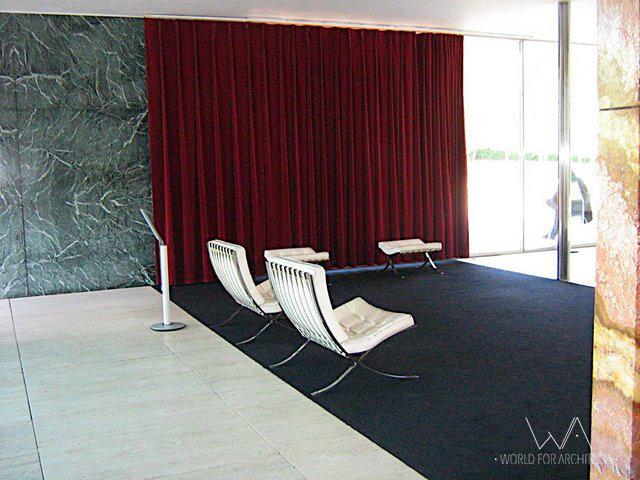 Barcelona Pavilion, interior © Cristina Wong